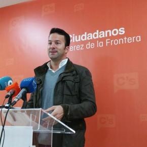 """Carlos Pérez: """"Es urgente que el gobierno local agilice la comercialización de publicidad de Onda Jerez para obtener ingresos"""""""